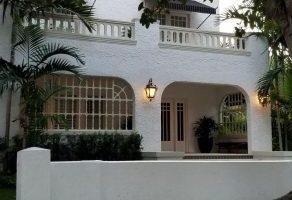 Hme 1 e1555437415882 scaled 292x200 - Shenandoah, un pintoresco barrio ubicado en los predios de la Pequeña Habana