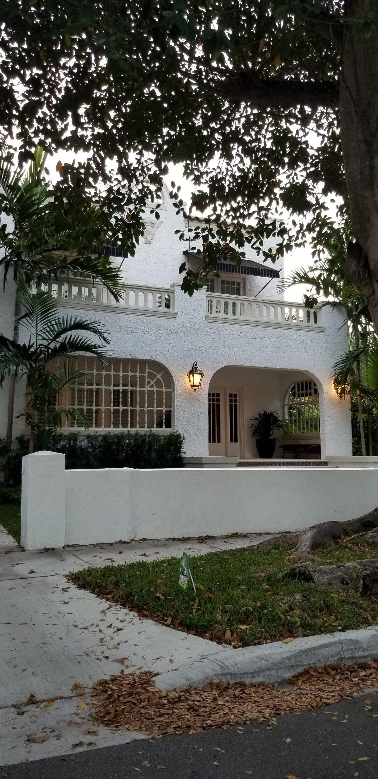 Hme 1 e1555437415882 scaled - Shenandoah, un pintoresco barrio ubicado en los predios de la Pequeña Habana