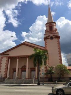 Pg 8 and 9 Shenandoah Presbyterian Church e1555215960840 - Shenandoah, un pintoresco barrio ubicado en los predios de la Pequeña Habana
