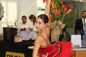Melanya Zamora 300x200 - Myriam Ayala Frederick de Ayala Royal Ballet está cambiando vidas una bailarína a la vez