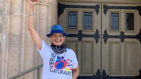 Anneliese hand up 470x264 - Viernes Culturales presents Little Havana LIVE