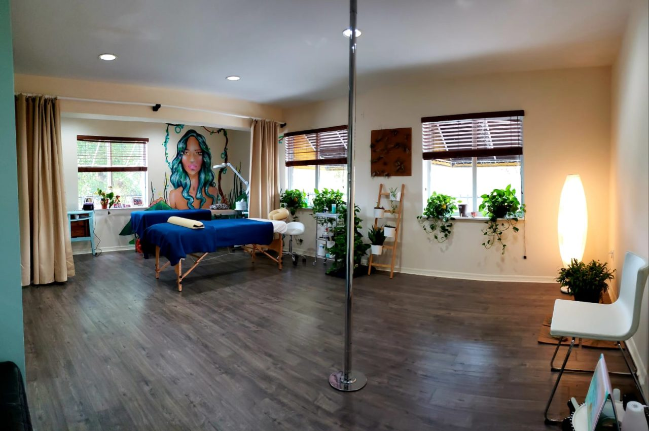 Spa Lash Pic 1280x850 - Jessica Londono and her new beauty bar on 8th