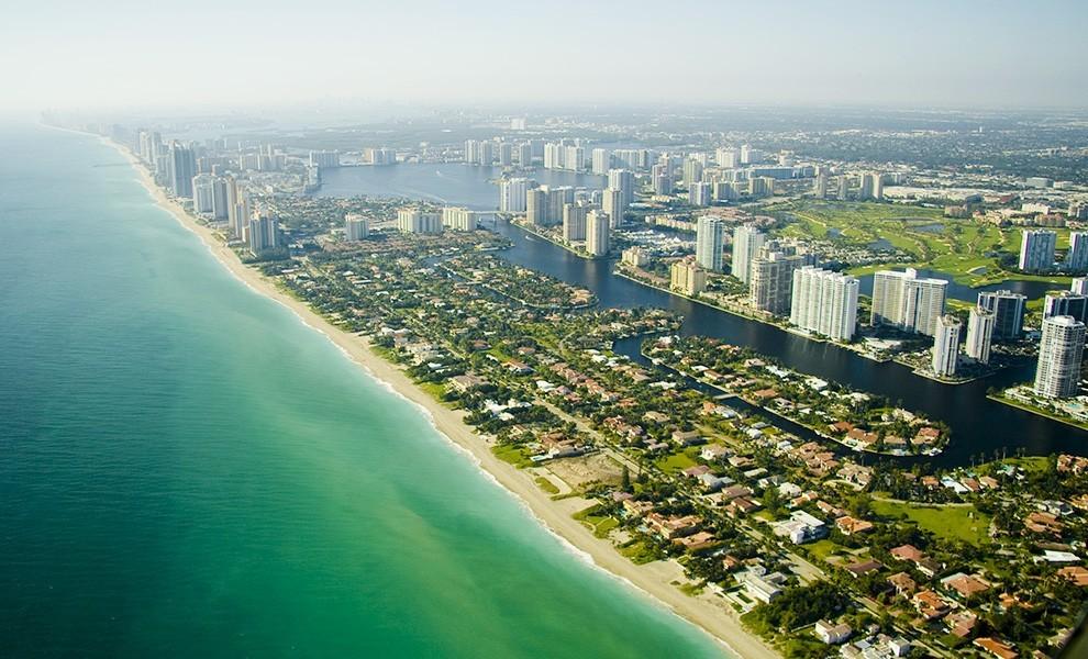 beautiful miami - 4 Reasons You Should Visit Miami