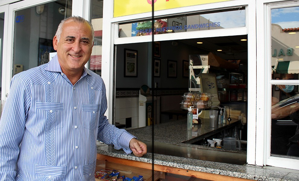 bovo exquisito window - El comisionado Esteban Bovo defiende los intereses de la comunidad
