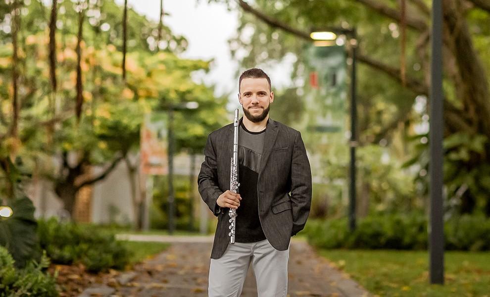 ernesto fernandez park - El nominado a los Grammys Latino 2020 Ernesto Fernández es un flautista nacido en Cuba