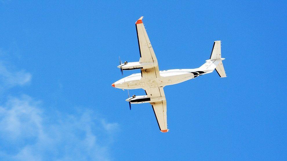 Seaplane flying