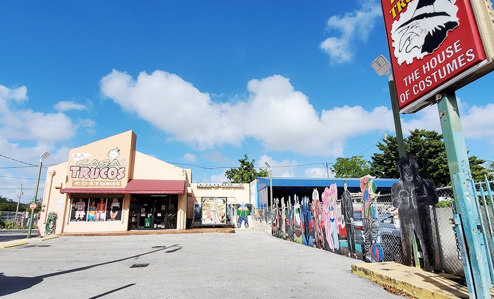 casa trucos costumes - Ways of passing time with things to do in Little Havana