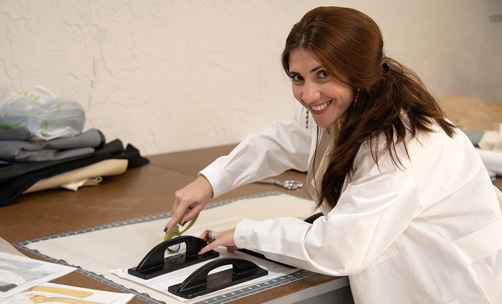 judtith cabrera cutting - Cuban clothing designer Judith Cabrera gives back