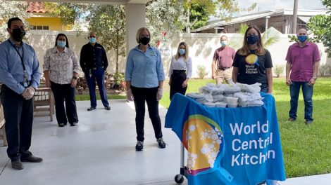 world central kitchen 470x264 - Eileen Higgins and World Central Kitchen feed the elderly