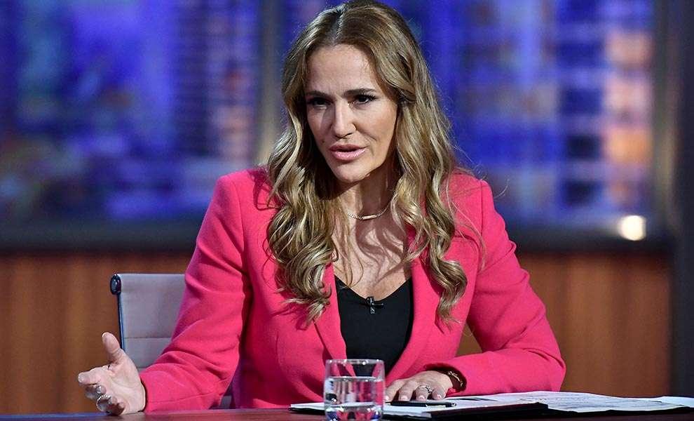 money court woman 1 990x600 - ¡La última serie de CNBC Primetime, Money Court es una obligada a ver!