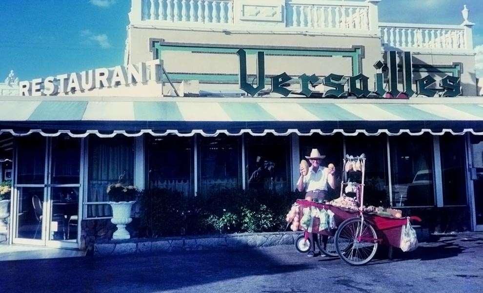 versailles restaurant 1 990x600 - ¡Versailles Restaurante Cubano cumple 50 años!